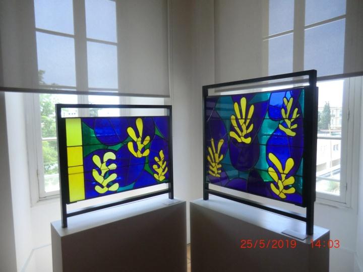 Buntes Kirchenfenster von Henri Matisse (Foto: M. Blancher)