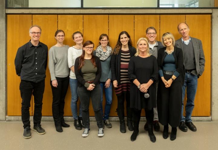 Gruppenfoto der Mitarbeiter*innen der Abteilung Englische Literaturen und Kulturen